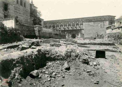 Exvacaciones en la Alhambra, detrás del palacio de Carlos V, donde estaba la Rauda o necrópolis real, donde encontraron muchos restos humanos