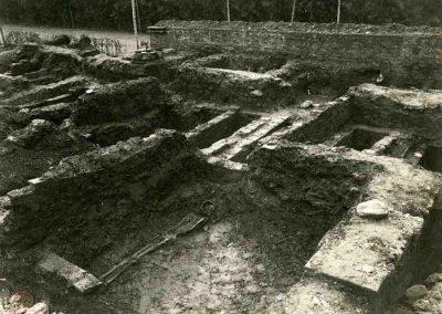 Restos de tumbas encontradas en la Alhambra con visión de restos humanos
