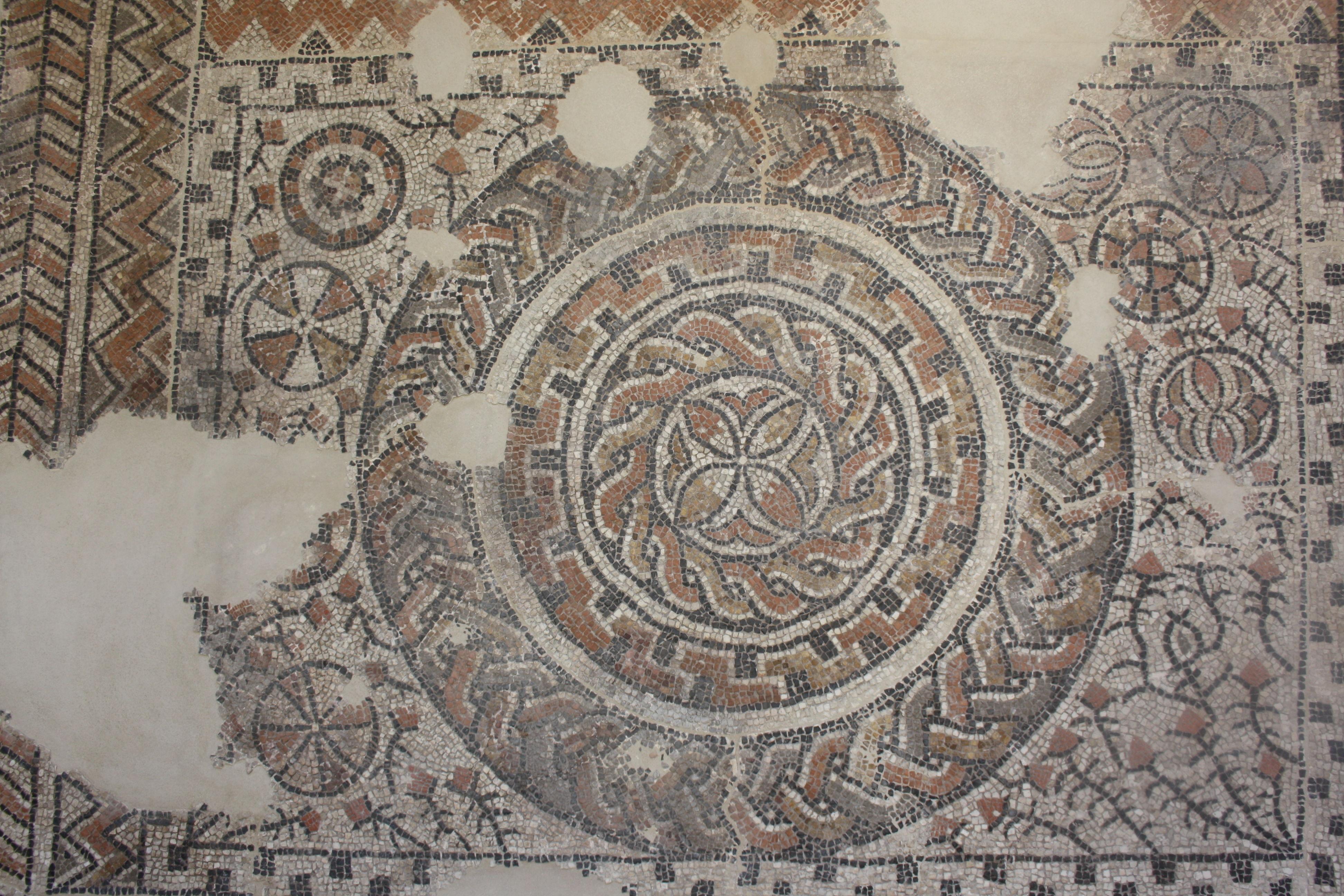 Mosaico romano hecho de teselas en el Museo Arqueológico