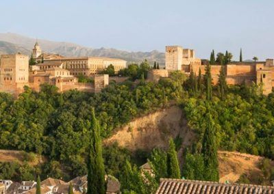 Romantic Travelers in Granada